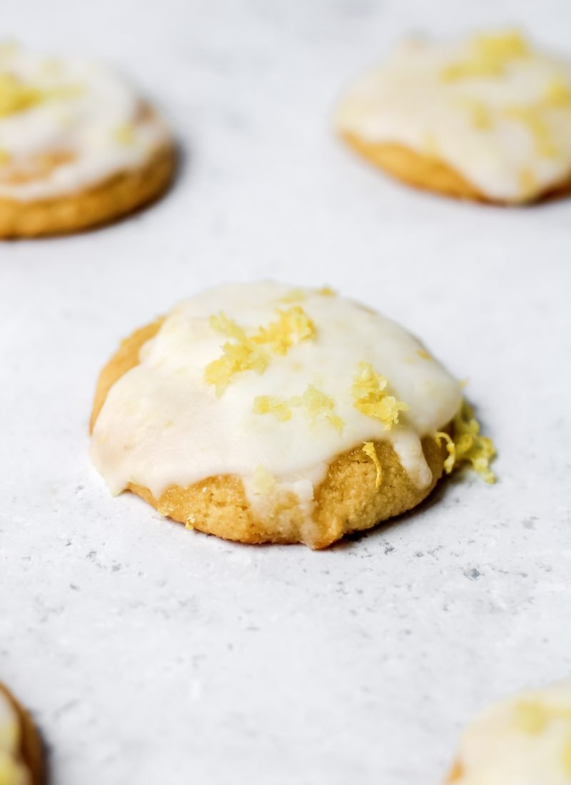 healthy lemon cookies (paleo & refined sugar-free)